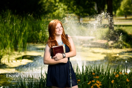 Senior girl in Frankenmuth with Bible