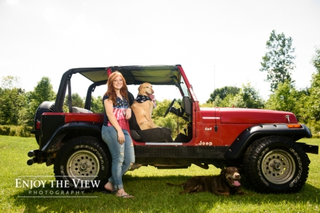 Senior girl with Jeep in Clio
