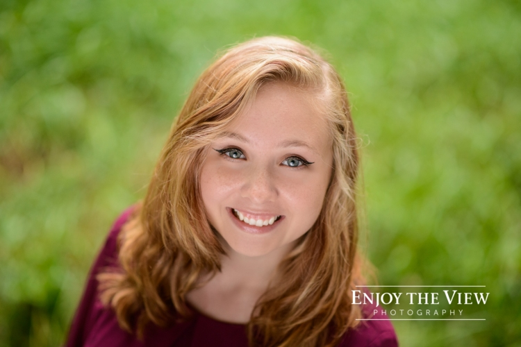 senior girl outdoor headshot